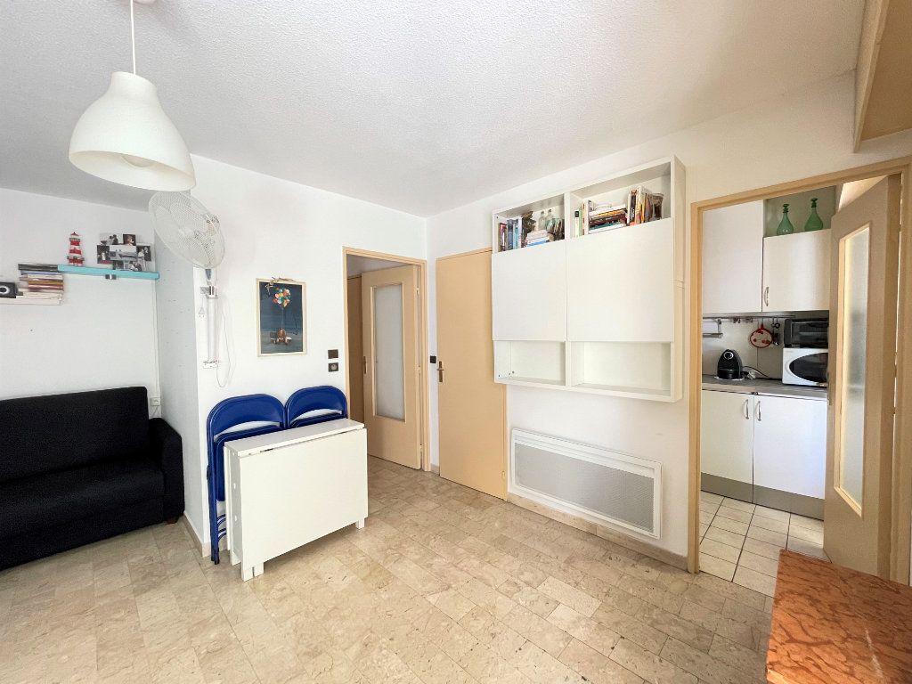 Appartement à louer 1 28.09m2 à Roquebrune-Cap-Martin vignette-8