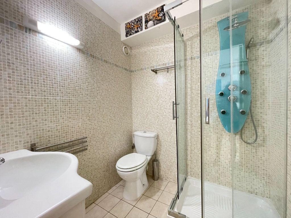 Appartement à louer 1 28.09m2 à Roquebrune-Cap-Martin vignette-10