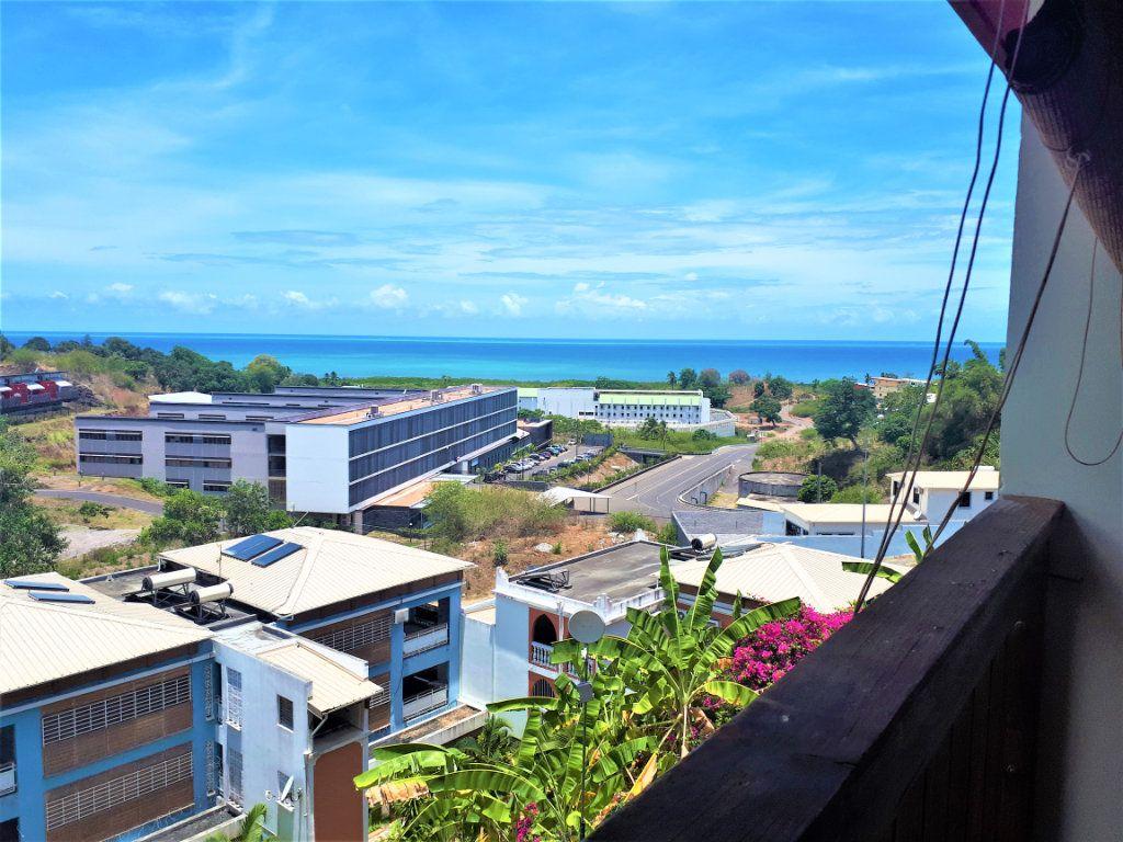 Appartement à vendre 5 101.64m2 à Koungou vignette-1