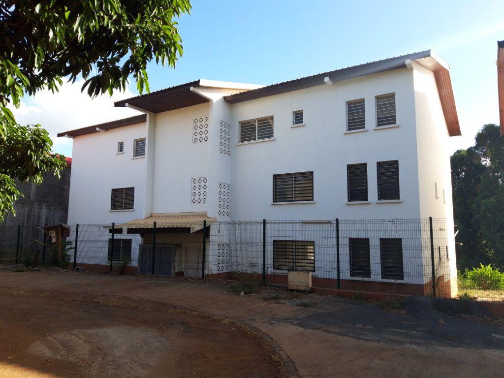 Appartement à louer 2 59.63m2 à Tsingoni vignette-1
