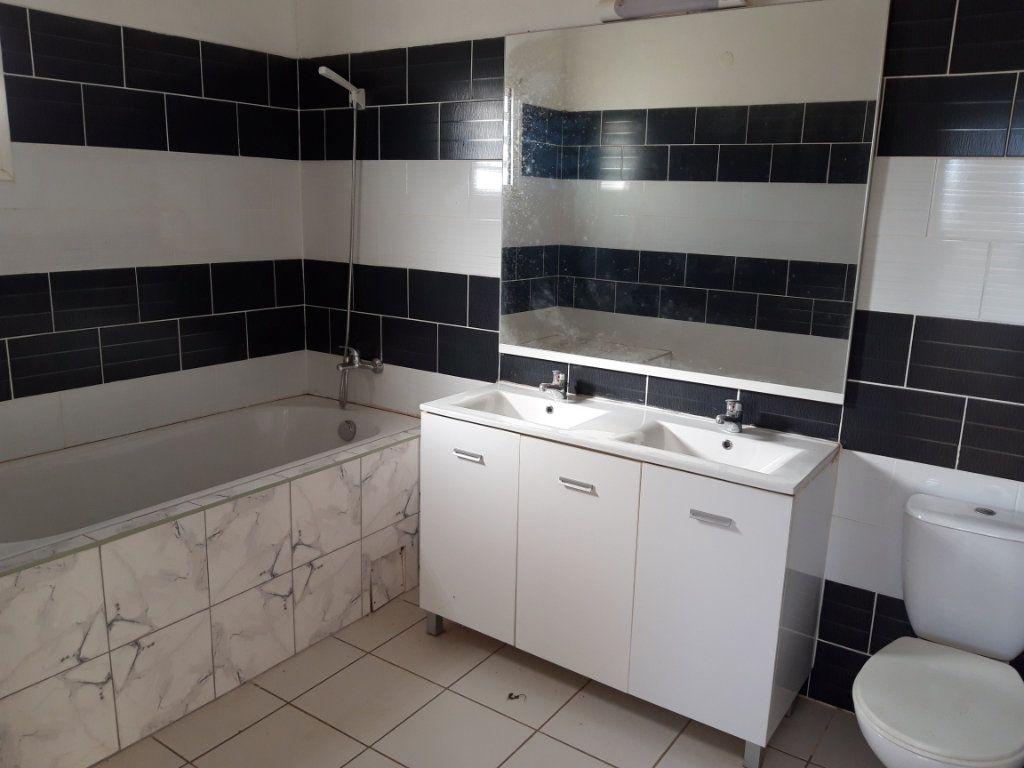 Appartement à louer 3 78m2 à Tsingoni vignette-6