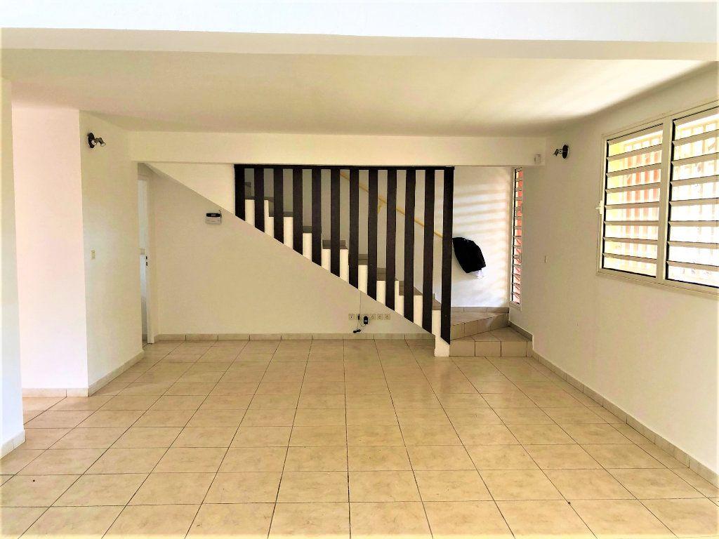 Maison à vendre 3 100m2 à Tsingoni vignette-2