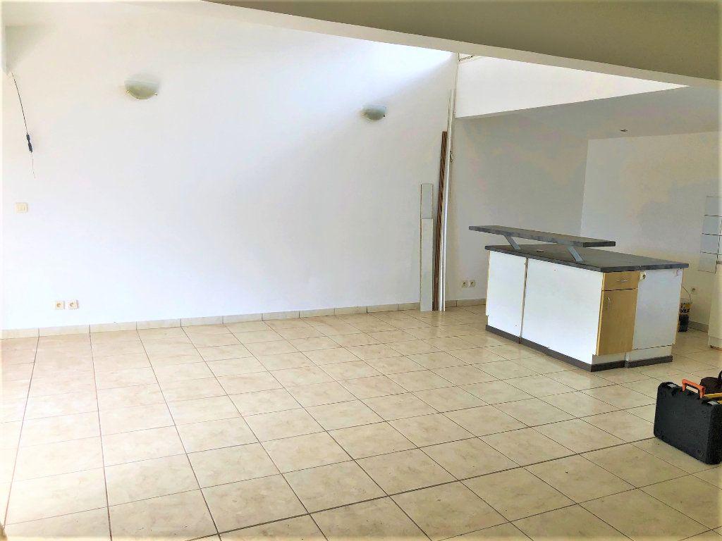 Maison à vendre 3 100m2 à Tsingoni vignette-3