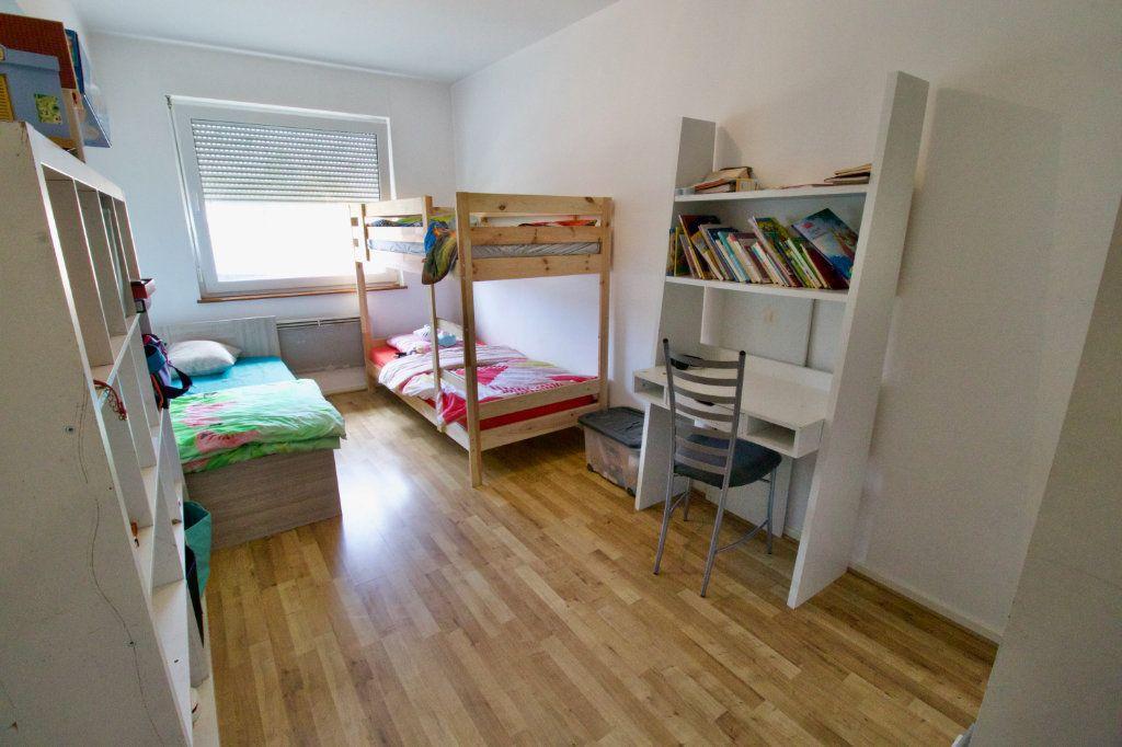 Appartement à louer 4 95.82m2 à La Wantzenau vignette-9