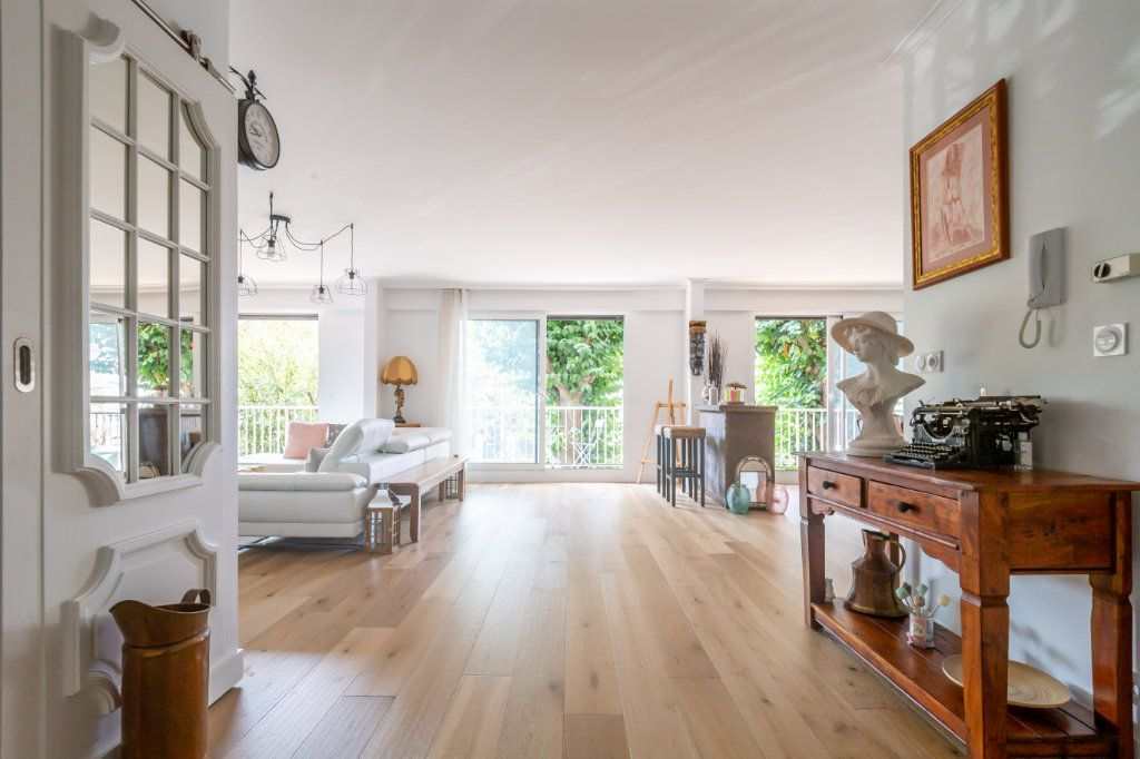 Appartement à vendre 6 153.5m2 à Le Raincy vignette-4
