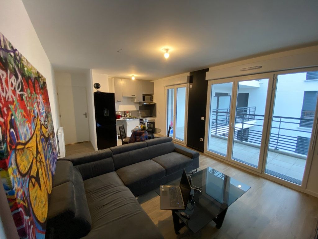 Appartement à vendre 3 62m2 à Livry-Gargan vignette-1