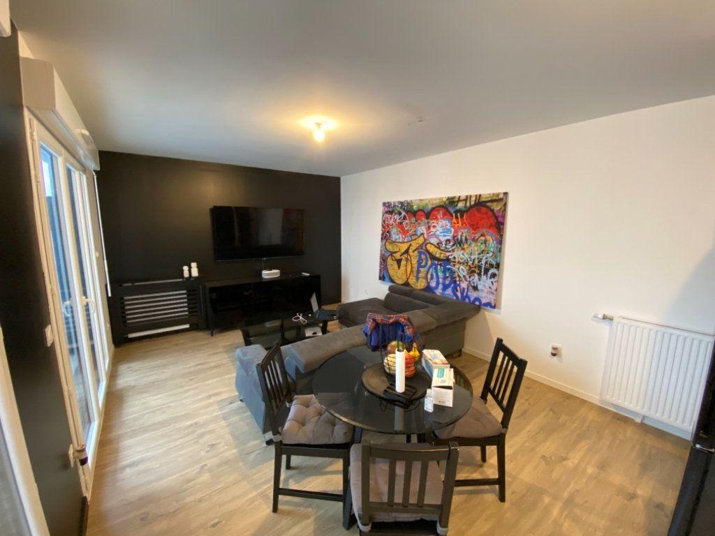 Appartement à vendre 3 62m2 à Livry-Gargan vignette-2