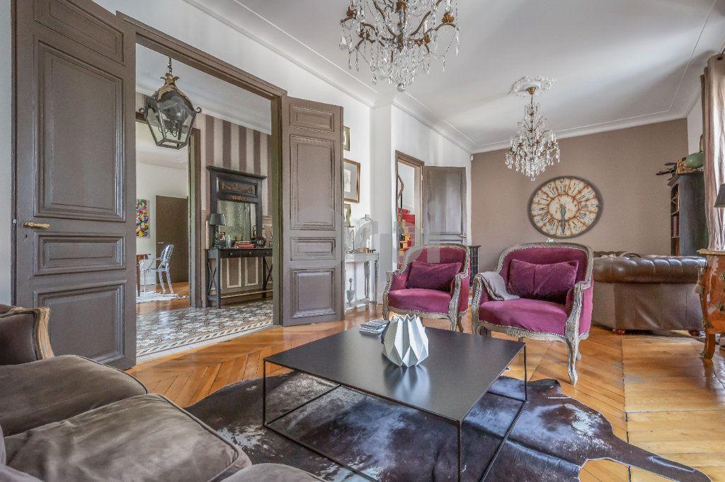Maison à vendre 9 246m2 à Le Raincy vignette-3