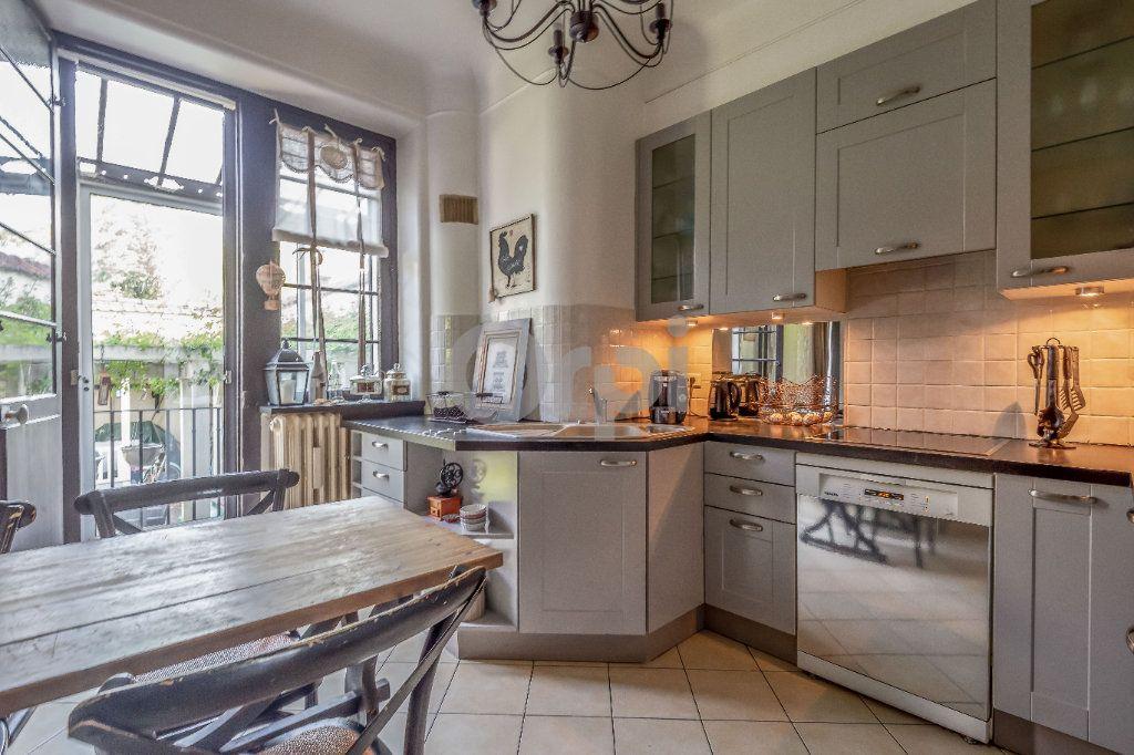 Maison à vendre 9 246m2 à Le Raincy vignette-5