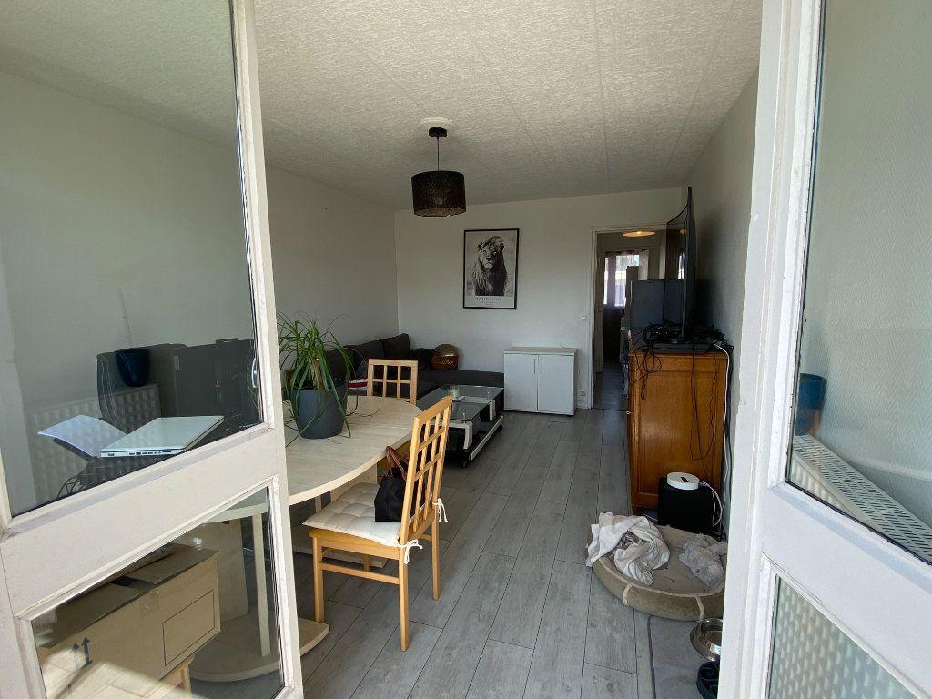 Appartement à louer 2 50m2 à Villemomble vignette-3