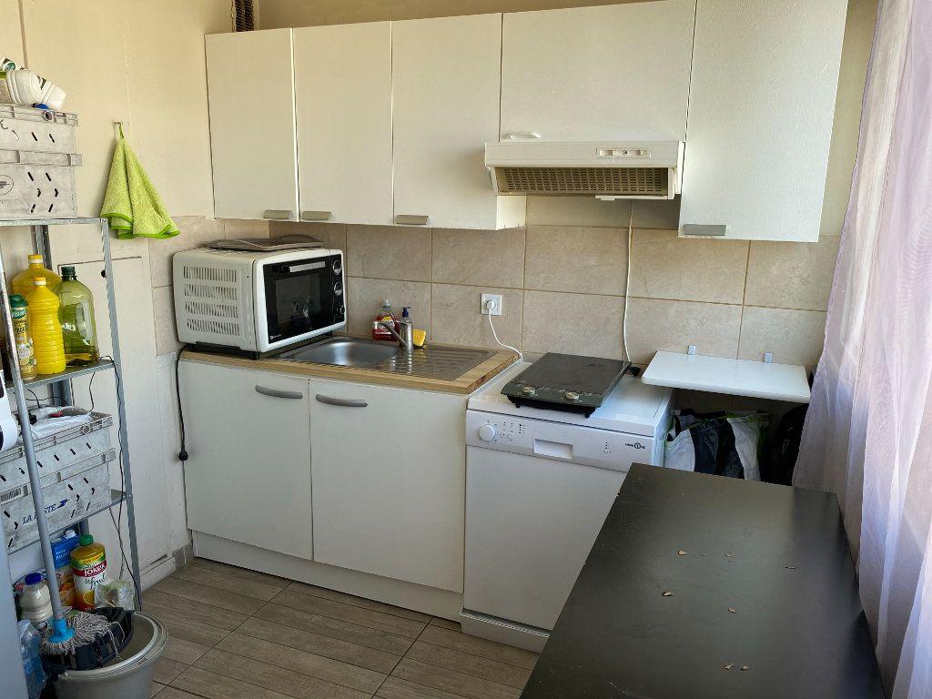 Appartement à louer 2 50m2 à Villemomble vignette-4