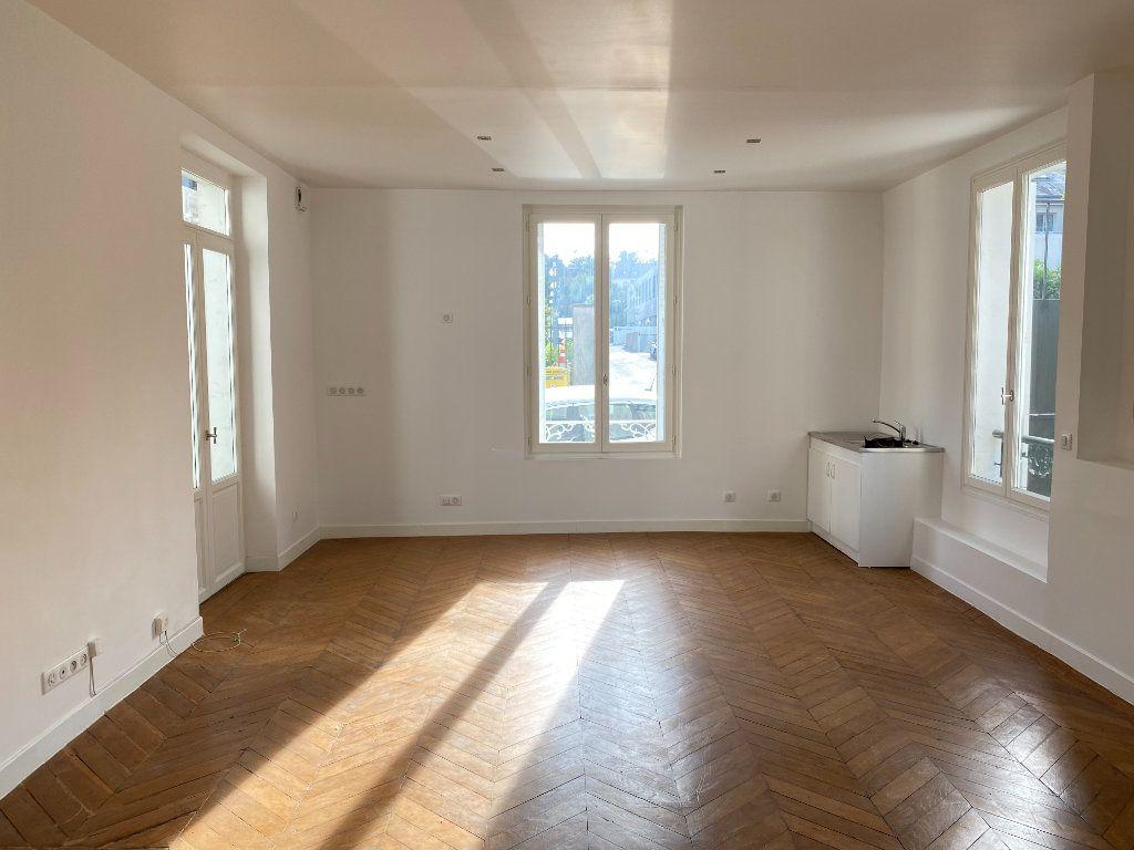 Appartement à louer 2 56m2 à Le Raincy vignette-2