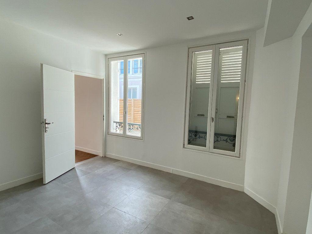 Appartement à louer 2 56m2 à Le Raincy vignette-3