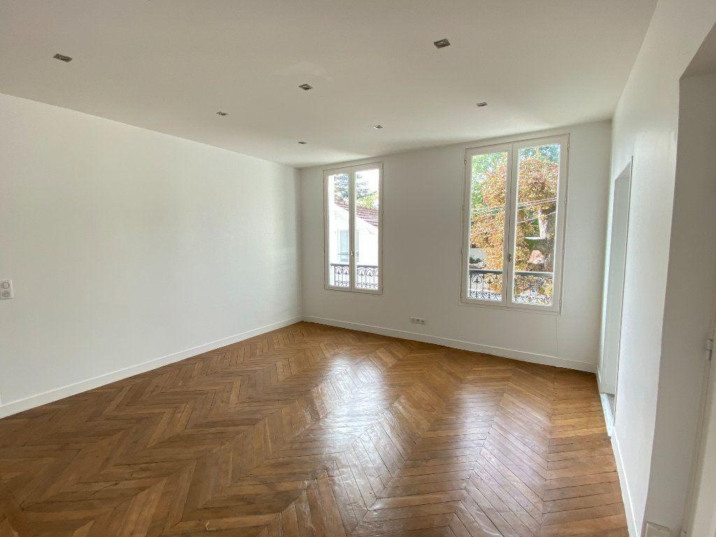 Appartement à louer 3 58m2 à Le Raincy vignette-2