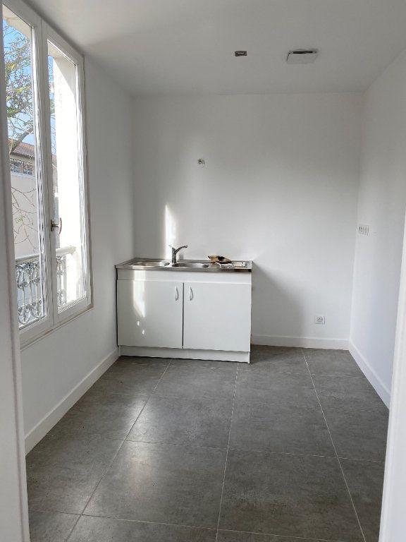 Appartement à louer 3 58m2 à Le Raincy vignette-3