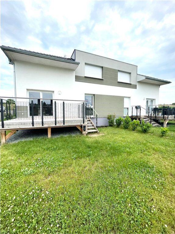 Appartement à vendre 4 83.6m2 à Wintzenheim-Kochersberg vignette-1