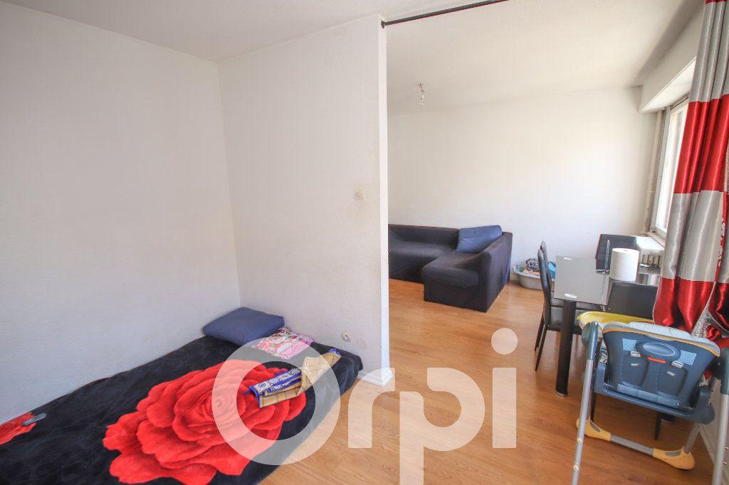 Appartement à vendre 3 52.77m2 à Strasbourg vignette-2