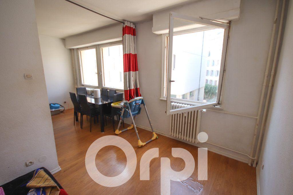 Appartement à vendre 3 52.77m2 à Strasbourg vignette-3