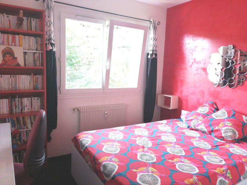 Appartement à louer 2 33.05m2 à Cran-Gevrier vignette-2
