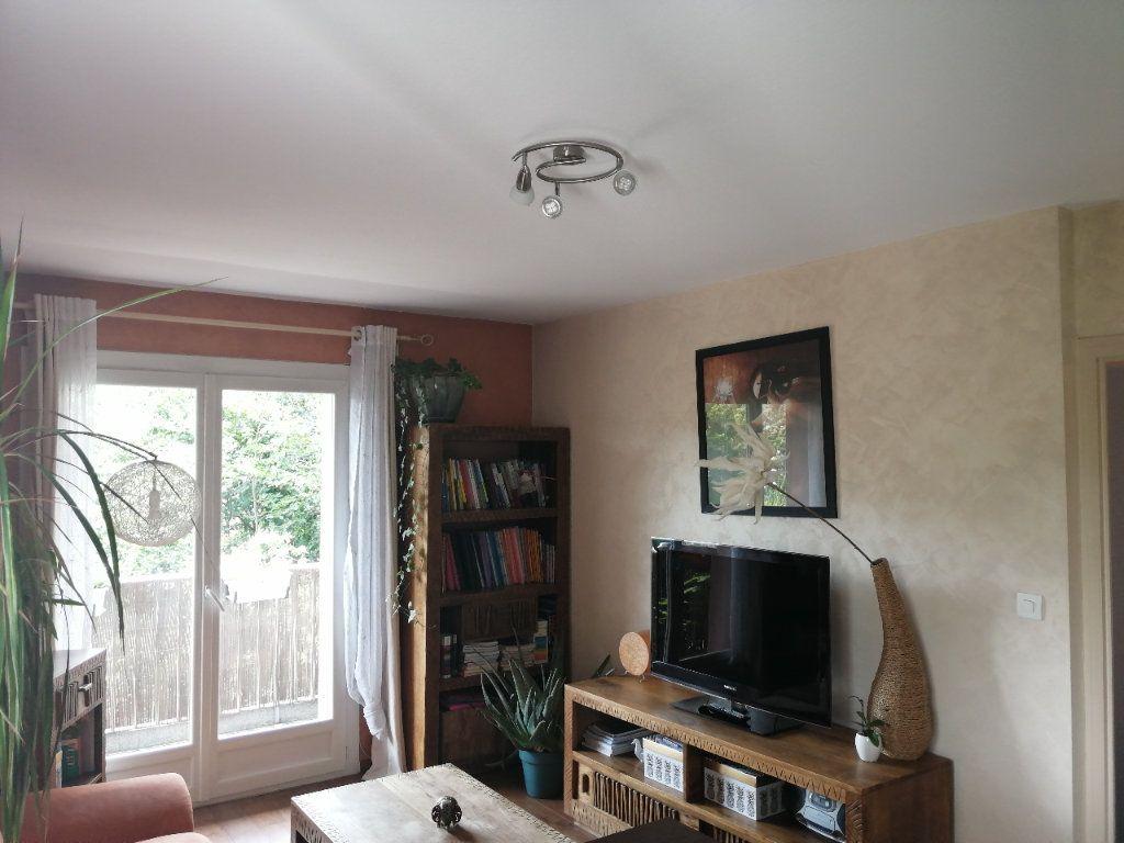 Appartement à louer 2 33.05m2 à Cran-Gevrier vignette-4