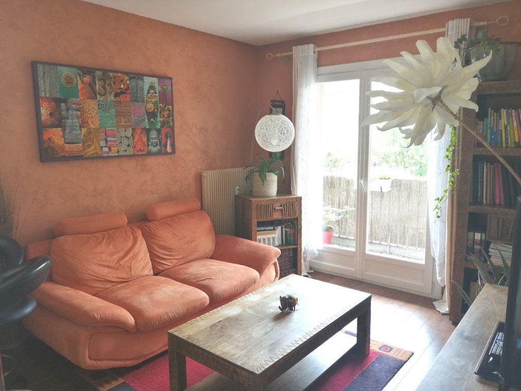 Appartement à louer 2 33.05m2 à Cran-Gevrier vignette-5