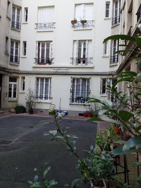 Appartement à louer 2 37.69m2 à Paris 18 vignette-1