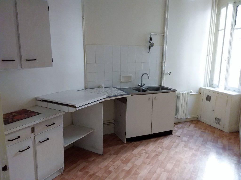 Appartement à louer 2 37.69m2 à Paris 18 vignette-7