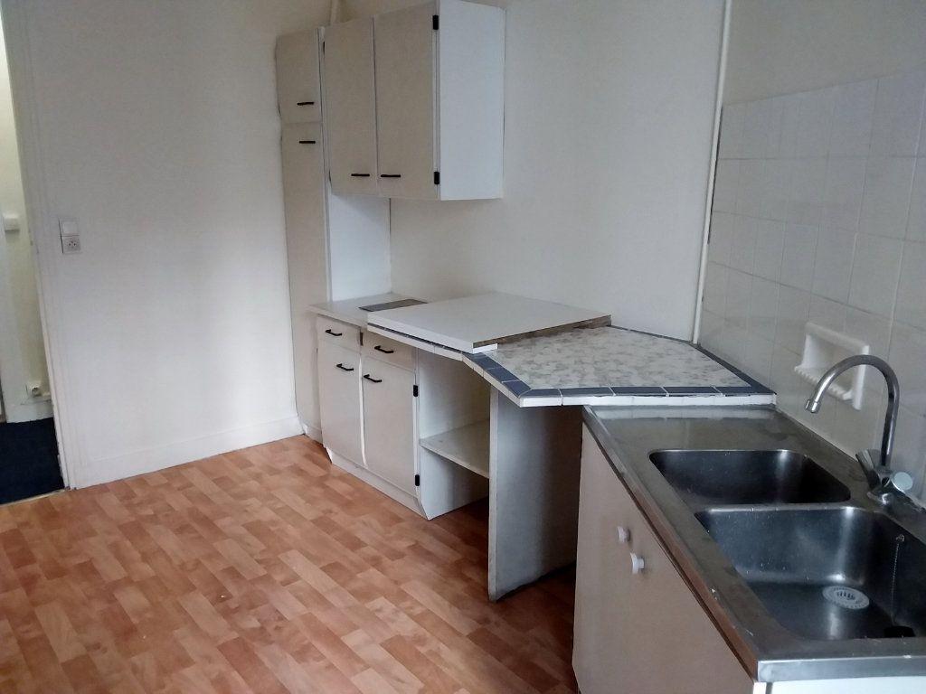 Appartement à louer 2 37.69m2 à Paris 18 vignette-8