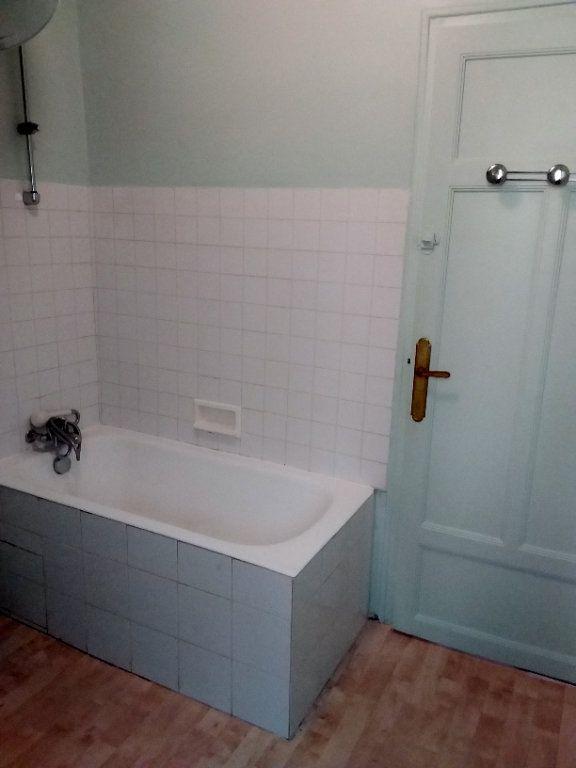 Appartement à louer 2 37.69m2 à Paris 18 vignette-9