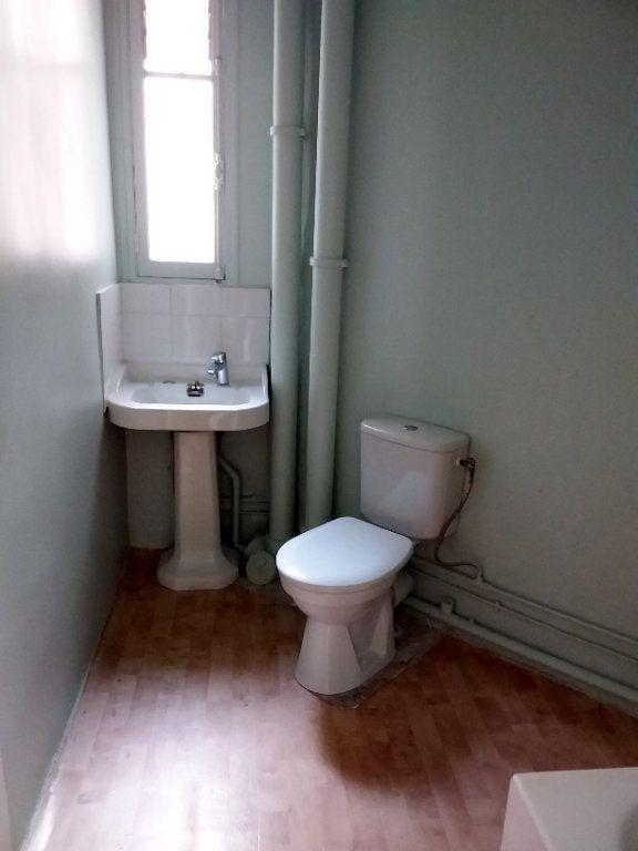 Appartement à louer 2 37.69m2 à Paris 18 vignette-10