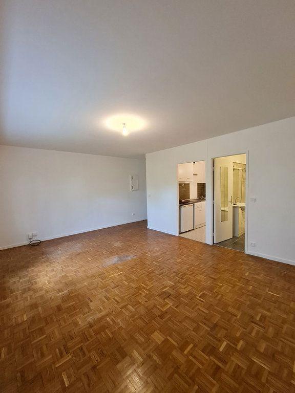 Appartement à louer 1 33.63m2 à Paris 12 vignette-2