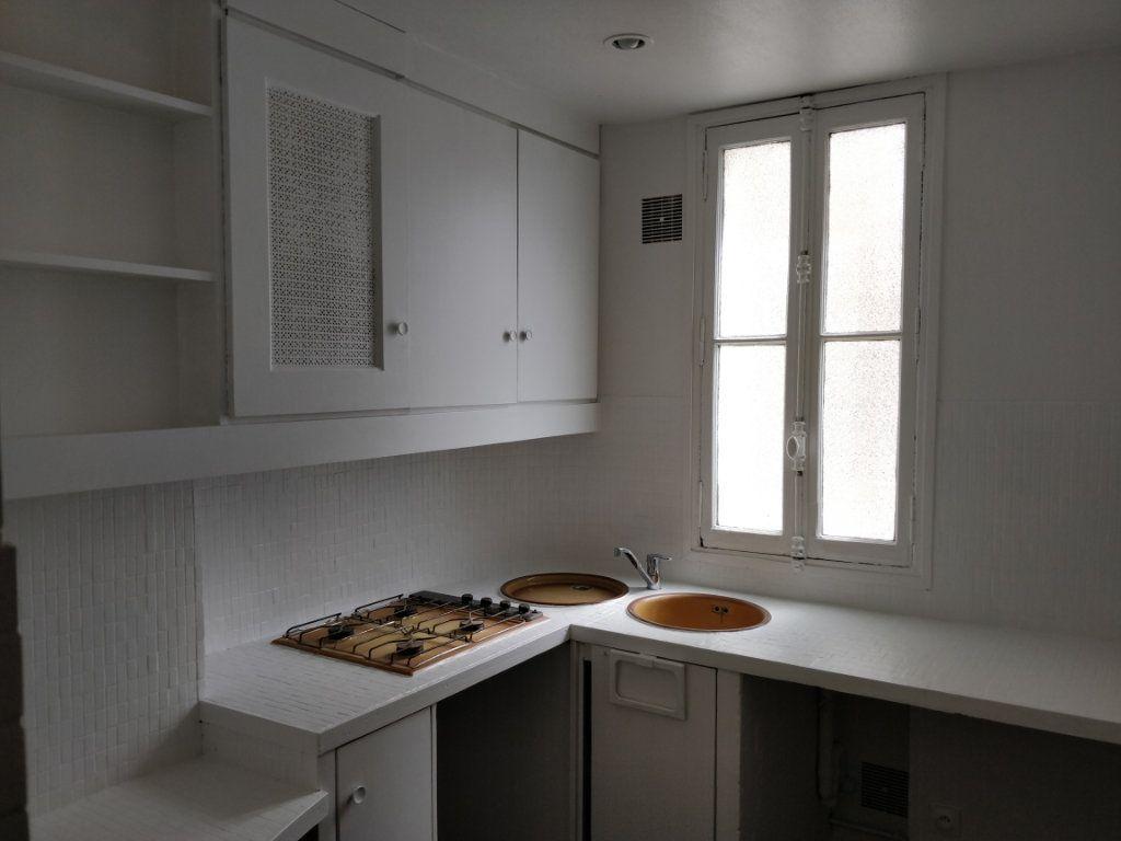 Appartement à louer 2 43.73m2 à Paris 10 vignette-4