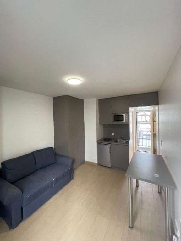 Appartement à louer 1 17m2 à Paris 19 vignette-2