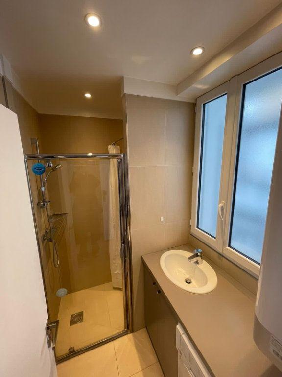 Appartement à louer 1 17m2 à Paris 19 vignette-3