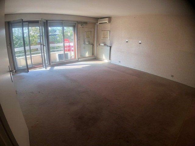 Appartement à vendre 4 100.66m2 à Charenton-le-Pont vignette-1