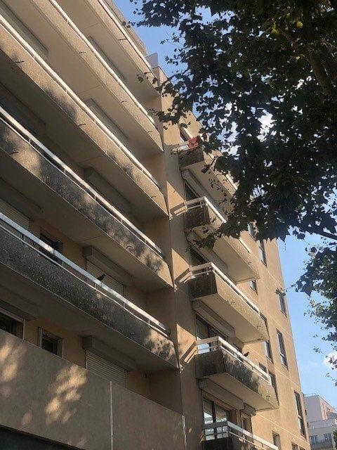 Appartement à vendre 4 100.66m2 à Charenton-le-Pont vignette-2