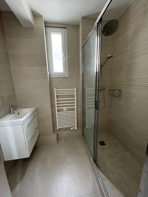 Appartement à louer 3 80.78m2 à Saint-Mandé vignette-3