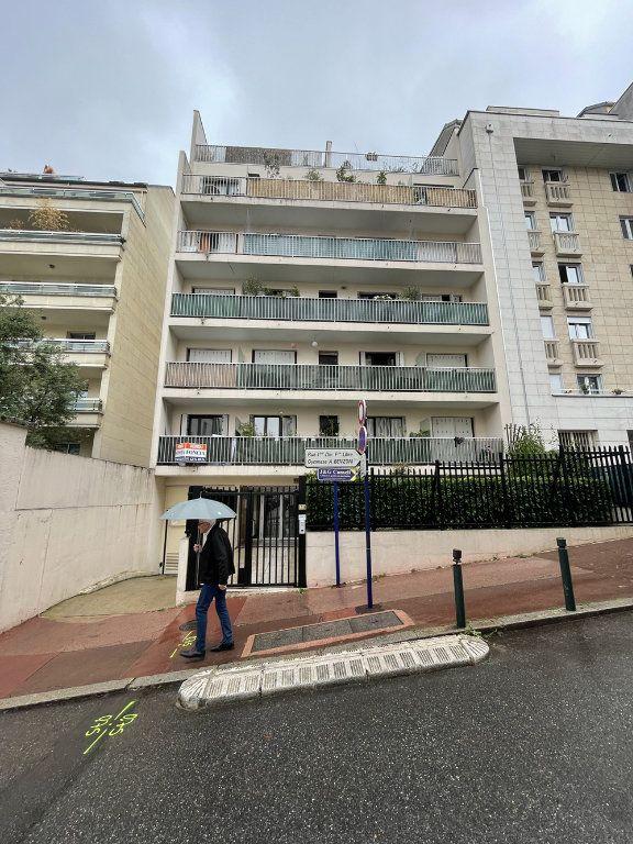 Appartement à louer 1 20.23m2 à Saint-Mandé vignette-1