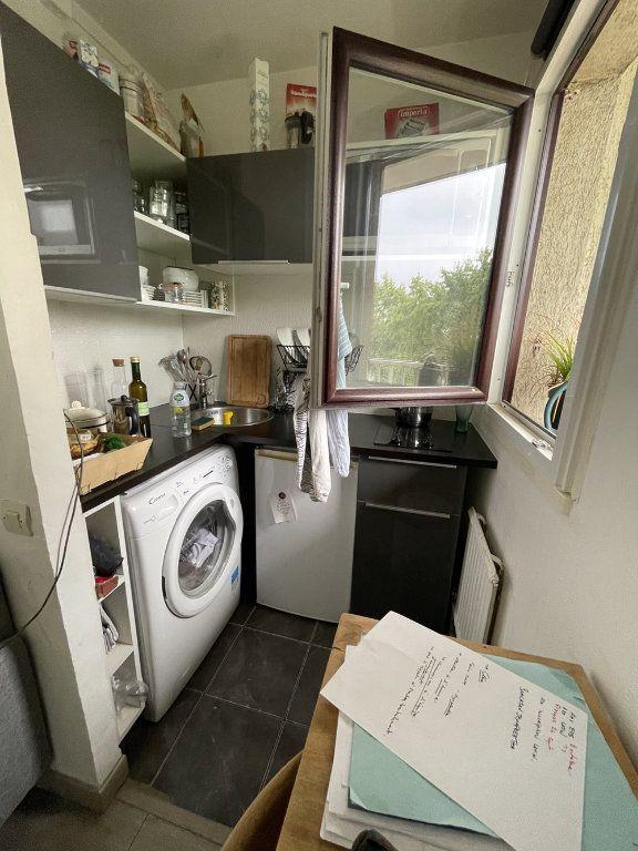 Appartement à louer 1 20.23m2 à Saint-Mandé vignette-4
