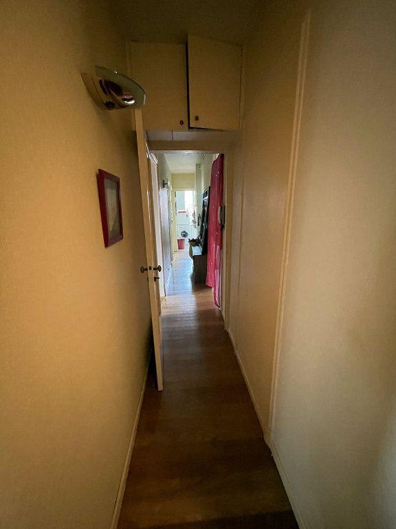 Appartement à louer 4 90.61m2 à Vincennes vignette-9