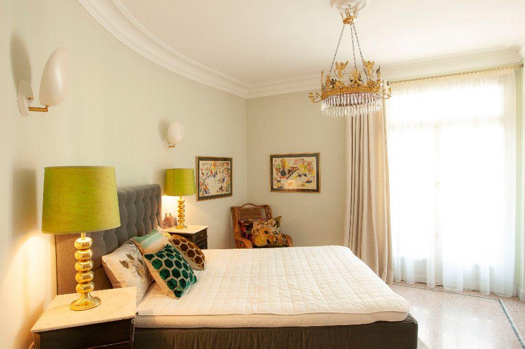 Appartement à vendre 2 68m2 à Nice vignette-3
