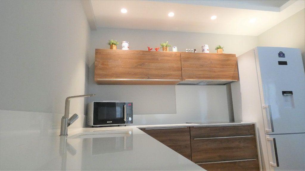 Appartement à vendre 3 79m2 à Nice vignette-5