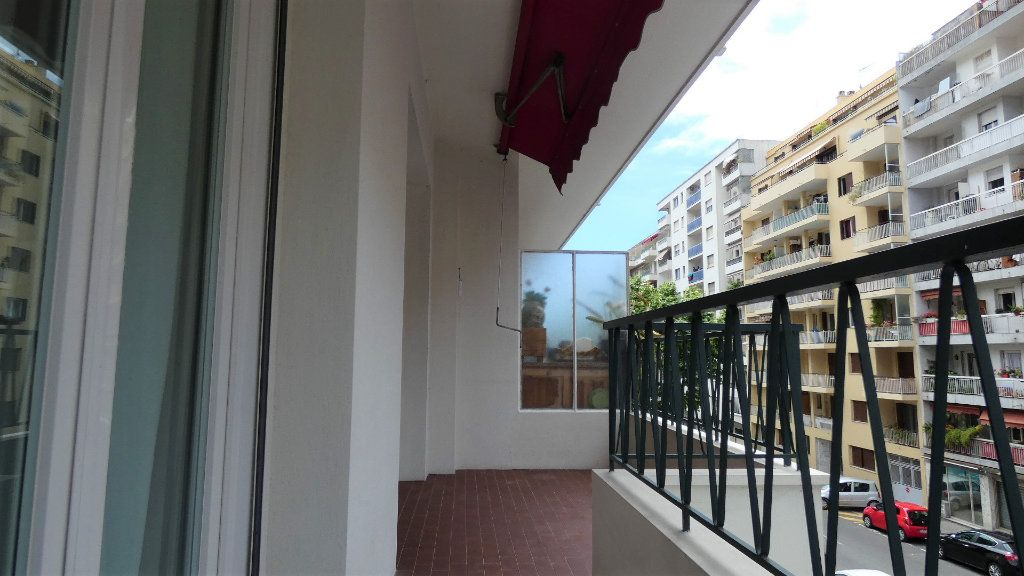 Appartement à vendre 3 79m2 à Nice vignette-13