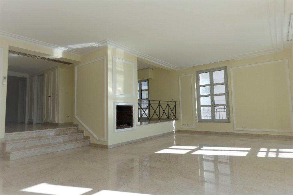 Appartement à vendre 4 110.46m2 à Nice vignette-2