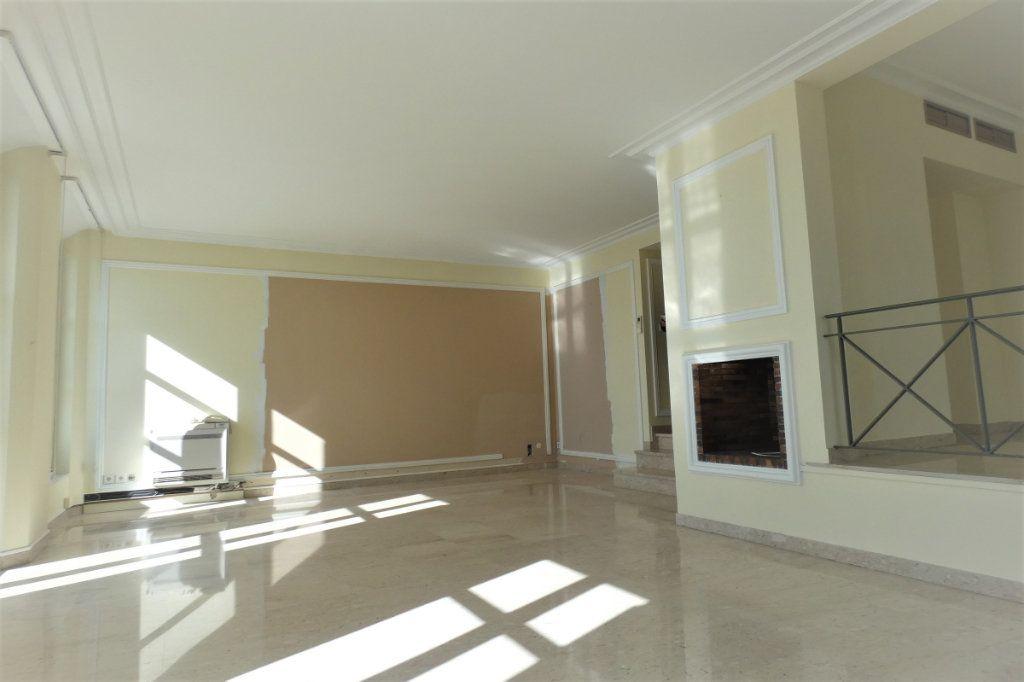 Appartement à vendre 4 110.46m2 à Nice vignette-8