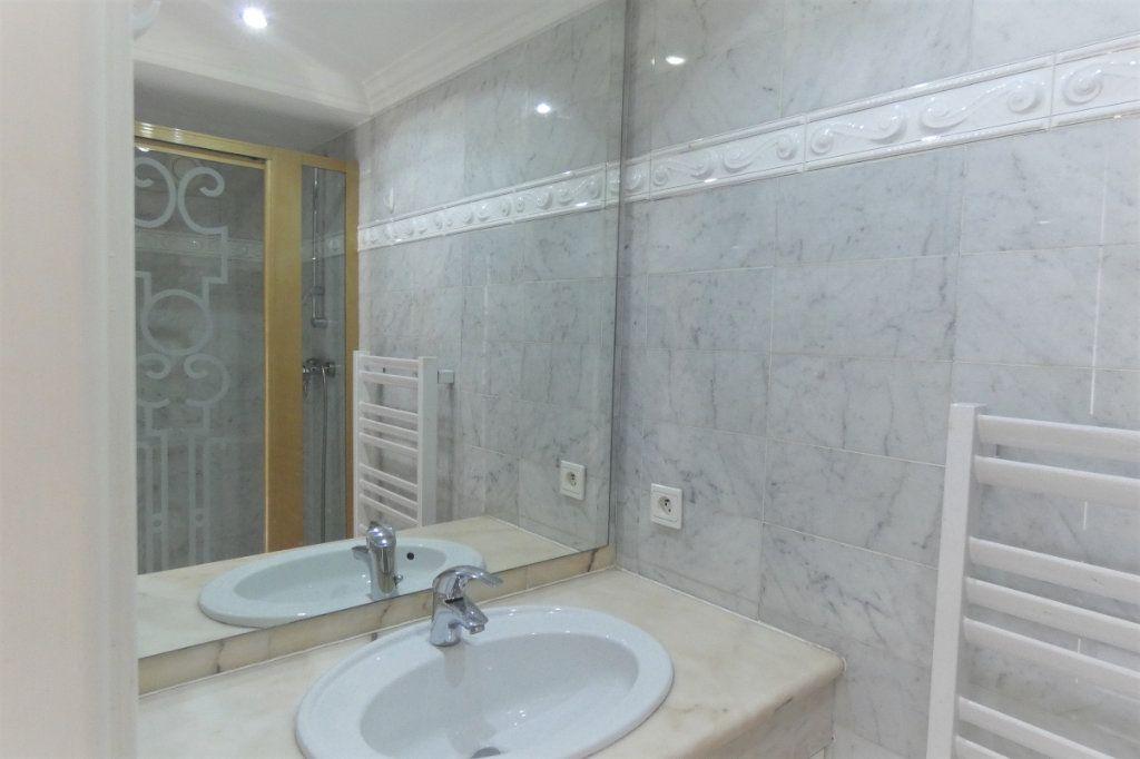 Appartement à vendre 4 110.46m2 à Nice vignette-11