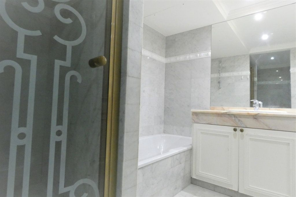 Appartement à vendre 4 110.46m2 à Nice vignette-12