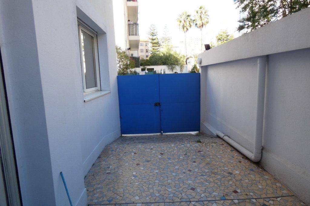 Appartement à vendre 3 47.7m2 à Nice vignette-3