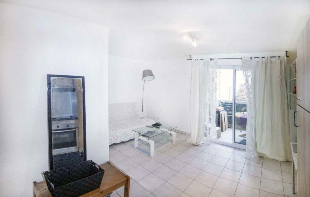 Appartement à vendre 1 25m2 à Nice vignette-2