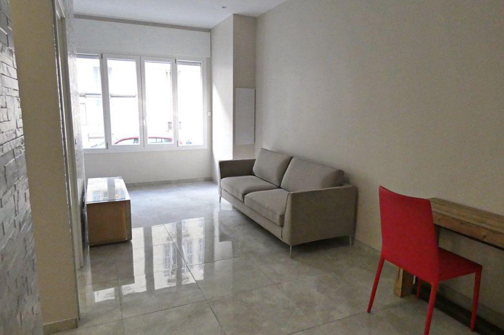 Appartement à vendre 2 30.28m2 à Nice vignette-1